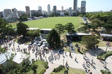 La venta de entradas para el Argentino Abierto abarca entre 30% y 40% del presupuesto anual de la Asociación Argentina de Polo, por lo cual un Palermo a puertas cerradas sería un golpe a su tesorería; por ahora, los auspiciantes del torneo están en pie.