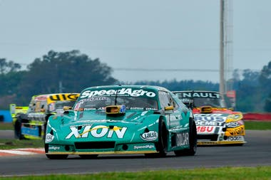 Agustín Canapino (Chevrolet), campeón defensor y último ganador en el circuito de San Nicolás, en 2019; un año antes, el arrecifeño finalizó segundo y logró la tercera de las cuatro coronas que tiene en el TC