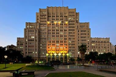 Facultad de Medicina de la UBA. En los últimos años hubo una explosión de nuevos estudiantes y graduados universitarios en toda América Latina