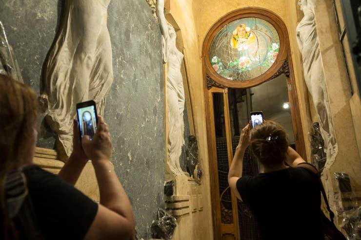 A través de las redes sociales se convocó a una visita pública a la que asistieron unas 80 personas