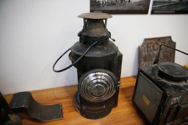 Viejas lámpara utilizadas para indicar la llegada del tren