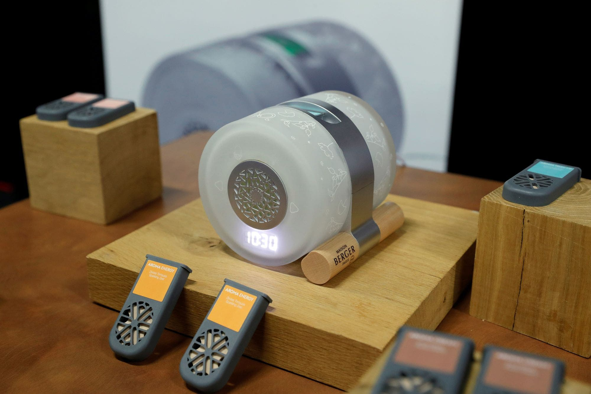 CES 2020: Presentan un reloj despertador que usa aromas como complemento de la alarma