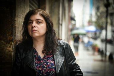 """La novela """"Las cosas que perdimos en el fuego"""", de Mariana Enriquez, es uno de los cinco títulos de Anagrama libres de derechos por la pandemia"""