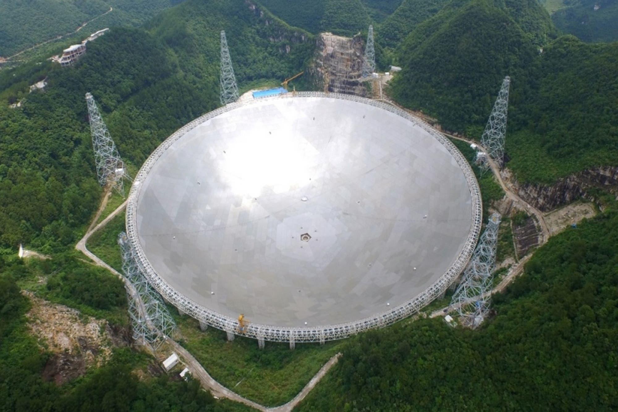 China construye una antena de 70 metros para ponerse en contacto con Marte