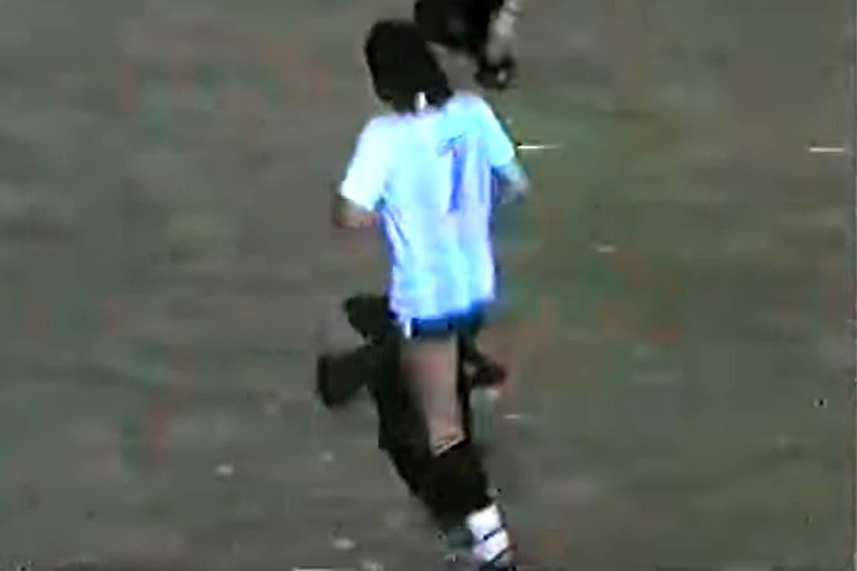 Cómo jugaba el Trinche Carlovich: el video que muestra en acción a la leyenda del fútbol rosarino