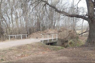 Un camino bloqueado en su paso a San Luis