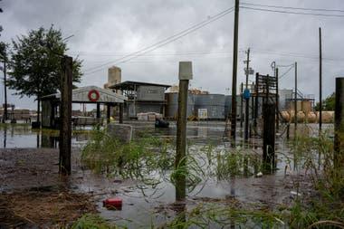 Lluvias e inundaciones al paso de Laura en Estados Unidos