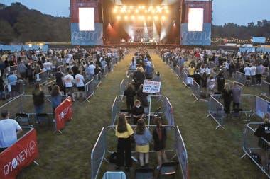 En Newcastle, Inglaterra, un espacio para conciertos de 40.000 personas se parceló en 500 plataformas para no más de cinco