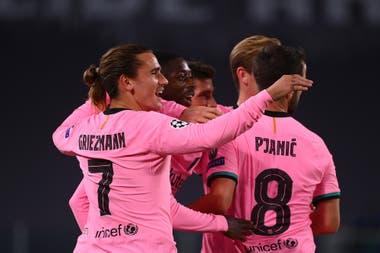 En un muy buen arranque de Barcelona, Dembélé anotó el 1-0, con algo de fortuna en el remate