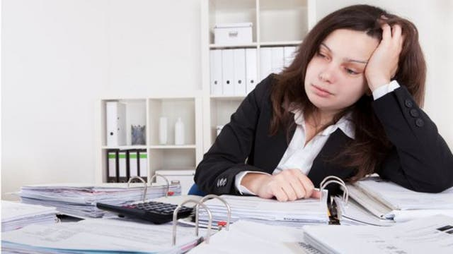 Varios estudios indican que reduciendo las horas de trabajo se pueden evitar afecciones de salud relacionadas con el trabajo