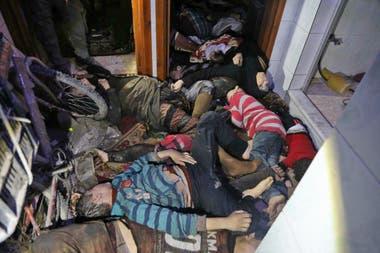 El ataque dejó que dejó decenas de muertos, entre ellos mujeres y niños