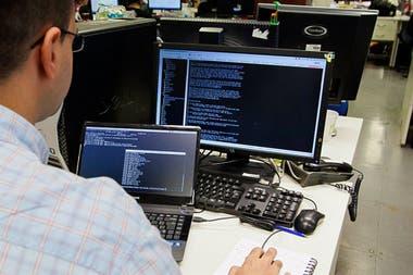 Las áreas de software y sistemas suelen contratar a desarrolladores de hasta 36 años de edad, pero una camada de profesionales de mayor edad buscan desafiar estos límites