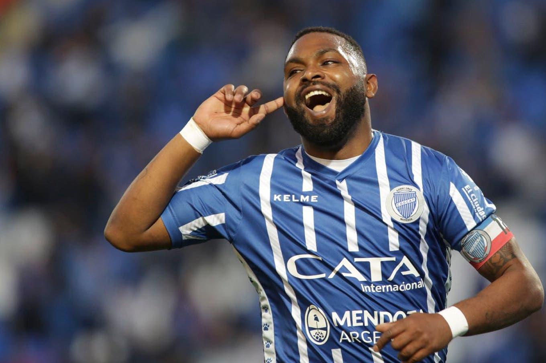 Superliga: Godoy Cruz le gana a Newell's 2-1, con un golazo del Morro García y un cabezazo de Cardona