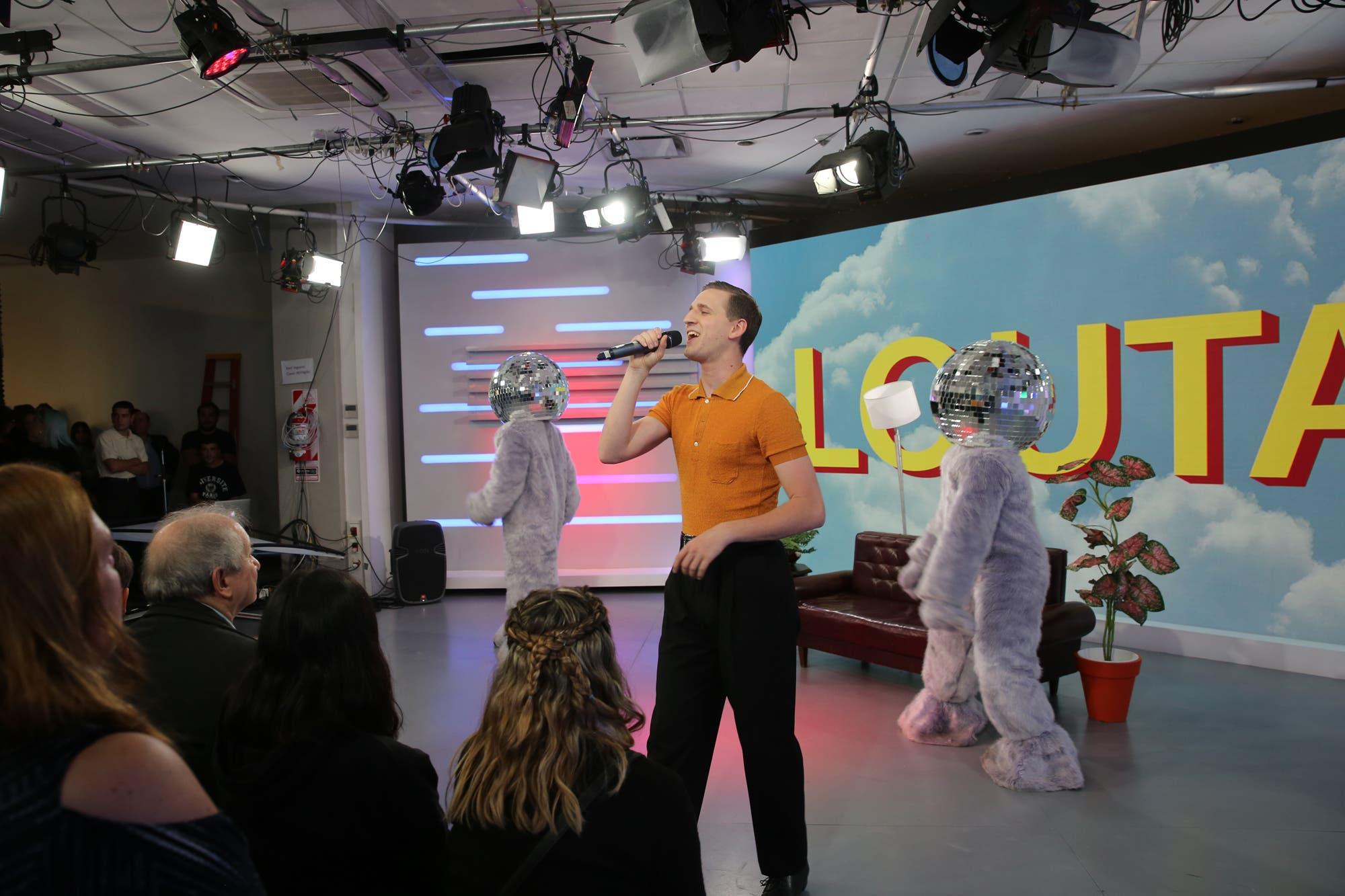 Louta se presentó en vivo en los estudios de LN+: cómo fue su show