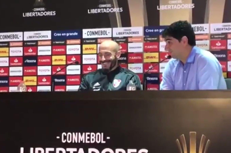 Marcelo Gallardo se comunicó con el banco de River: la irónica frase de Matías Biscay y la risa de Javier Pinola