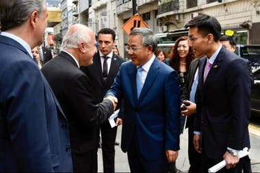 El gobernador Lifschitz al recibir al viceprimer ministro de China Hu Chunhua