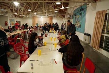 Uno de los centros de evacuados en Esteban Echevarría