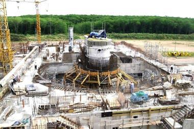 Vista general de la obra que avanza en el Centro Atómico Ezeiza