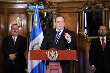 El presidente guatemalteco, Alejandro GIammattei, un médico cirujano retirado