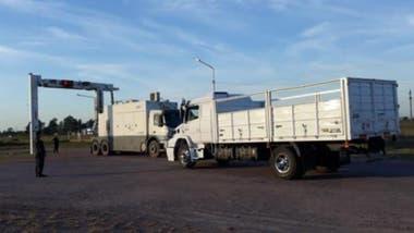 Detectan un camión con 265 kilos de cocaína ocultos en tanques de combustible, en Chaco