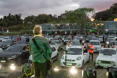 Los Tipitos en el Autocine al Rio
