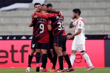 Athletico Paranaense-River: Bissoli marcó el 1-0