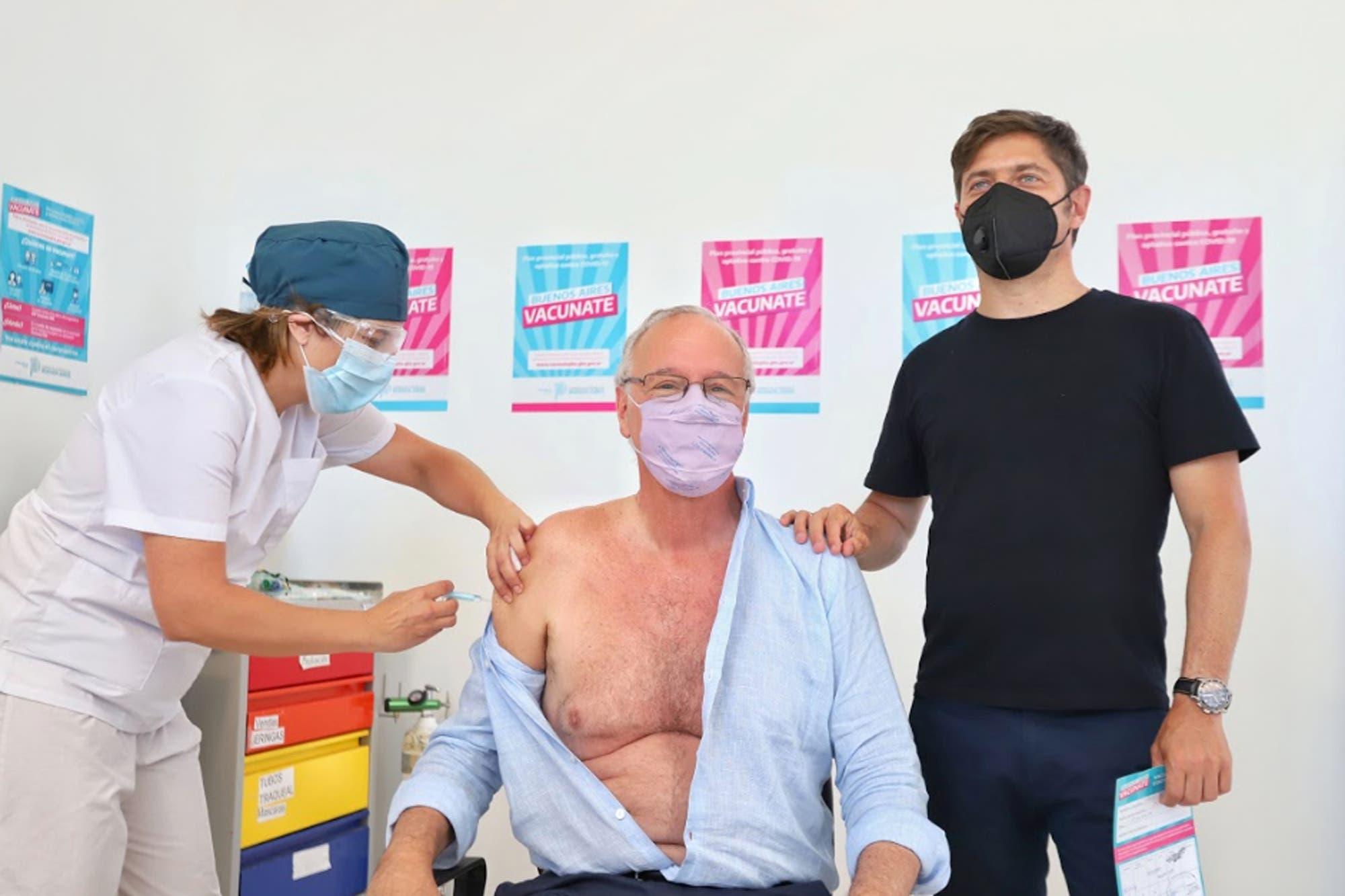 Kicillof y Gollán se vacunaron con la Sputnik V y anunciaron que avanzarán con los adultos mayores