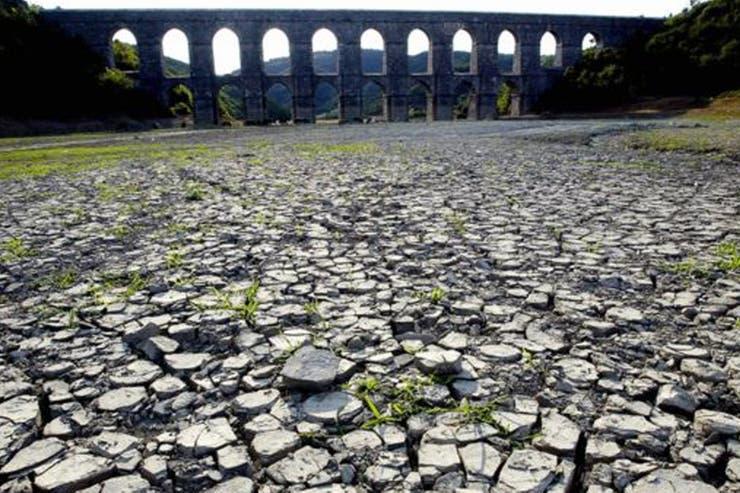 Una sequía de 10 meses secó este lago cerca de Estambul