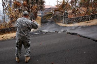 La Guardia Nacional toma fotos y muestras en forma permanente para ser llevadas al laboratorio