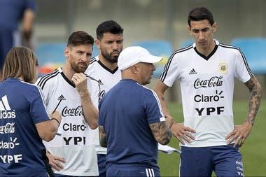 Sampaoli, junto con Messi, Agüero y Di María, tres históricos del seleccionado