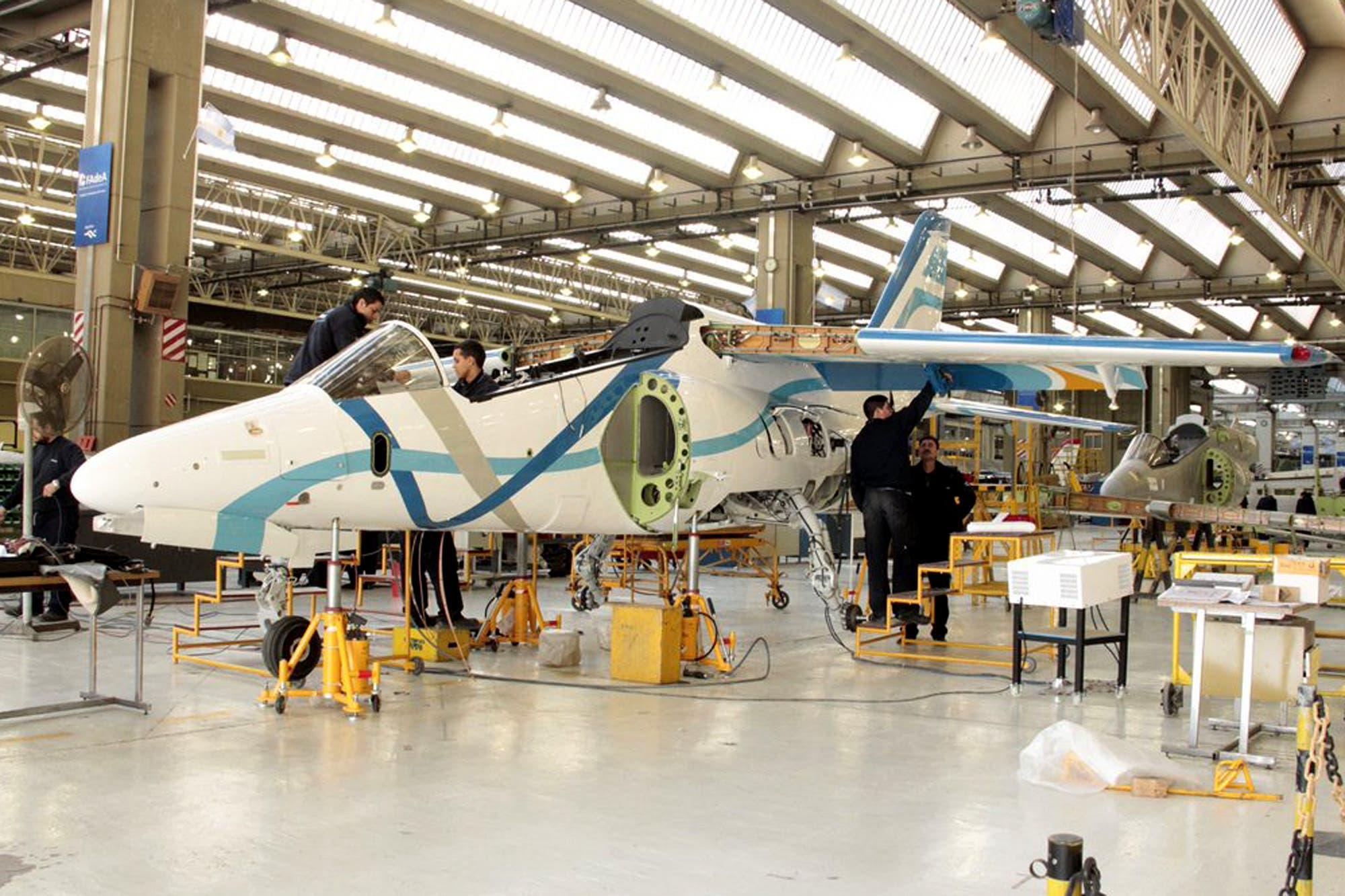 Fadea. La reconversión de la fábrica de aviones que manejaba La ...