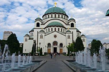 La catedral ortodoxa de San Sava, uno de los templos más grandes del mundo, todavía bajo construcción.
