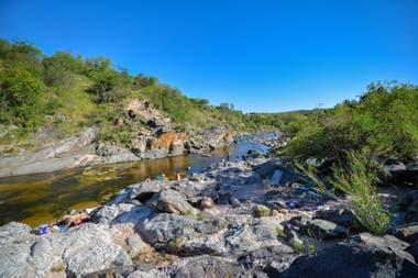 Cuesta Blanca, sobre el río San Antonio, a media hora de Carlos Paz