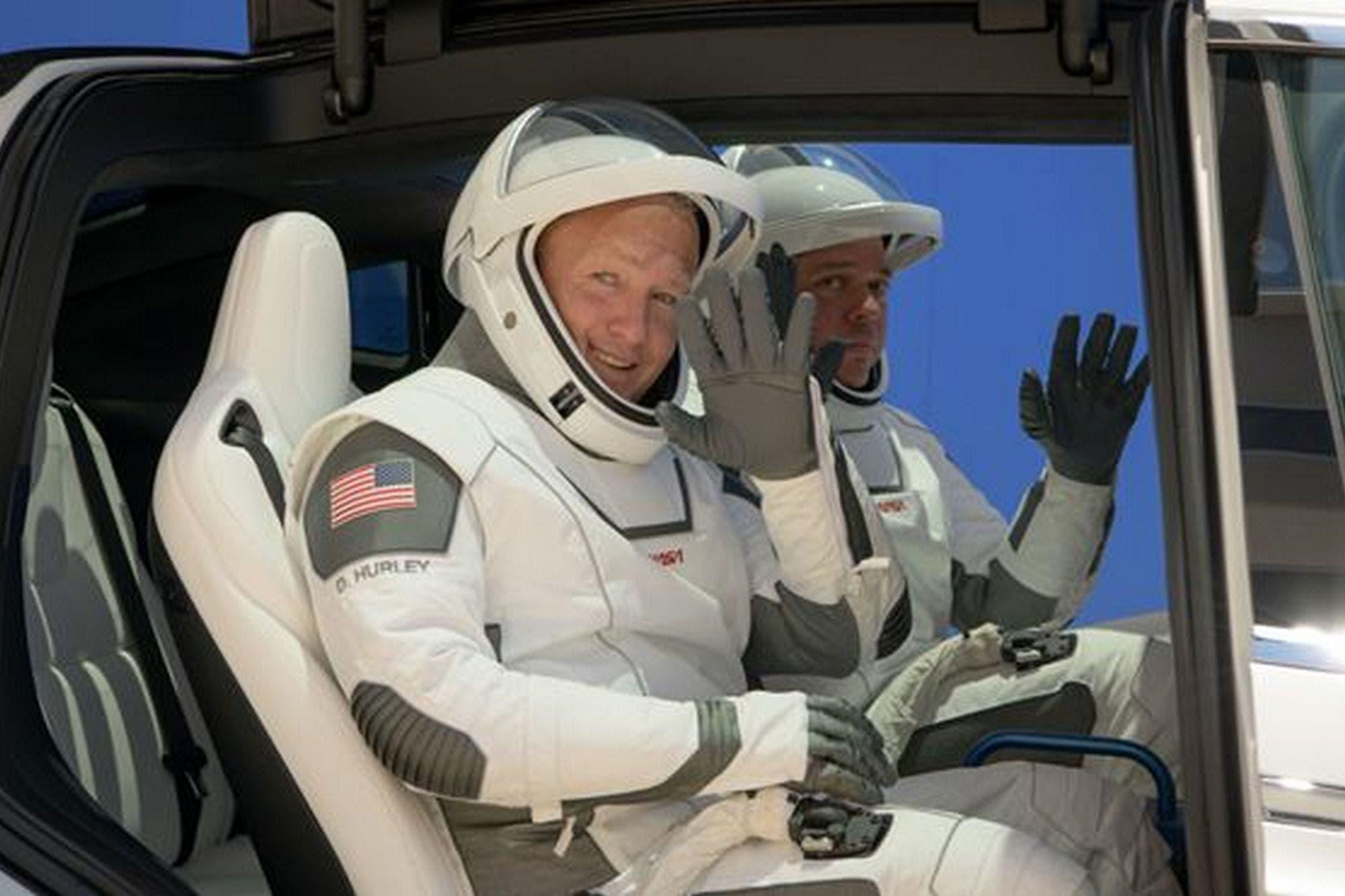 10 claves sobre la histórica misión de la NASA y SpaceX que inicia la era de los viajes comerciales al espacio