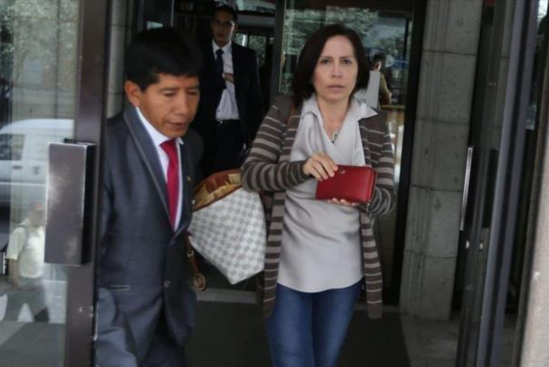 Opositores reclaman que el Gobierno explique por qué acogió en la embajada de Quito a una exministra condenada por corrupción