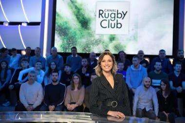 Isabelle Ithurburu en Rugby Club, el programa deportivo que conduce en Francia.
