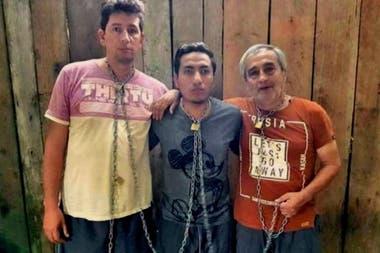 Rivas, Ortega y Segarra, en una imagen que fue prueba de vida durante su secuestro