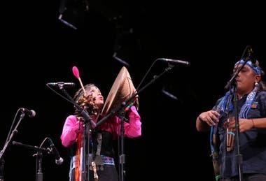 La banda Puel Kona que actuó como telonera de Roger Waters