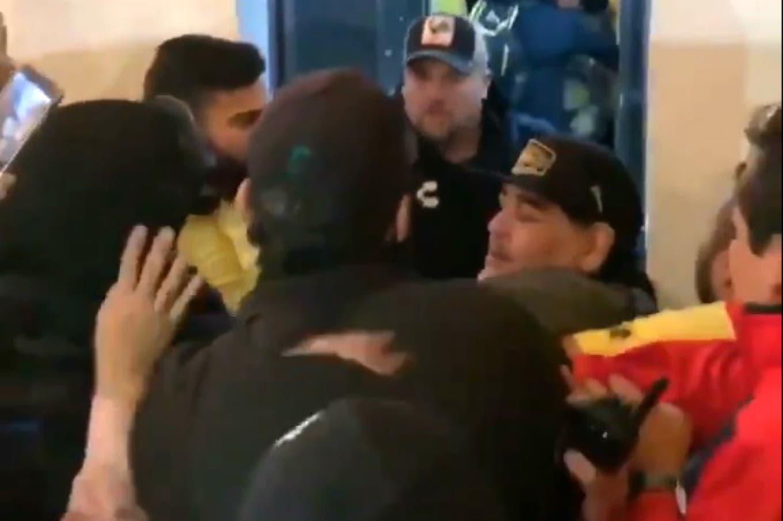 Insultos y agresiones: la reacción de Diego Maradona tras la derrota de Dorados en el fútbol mexicano