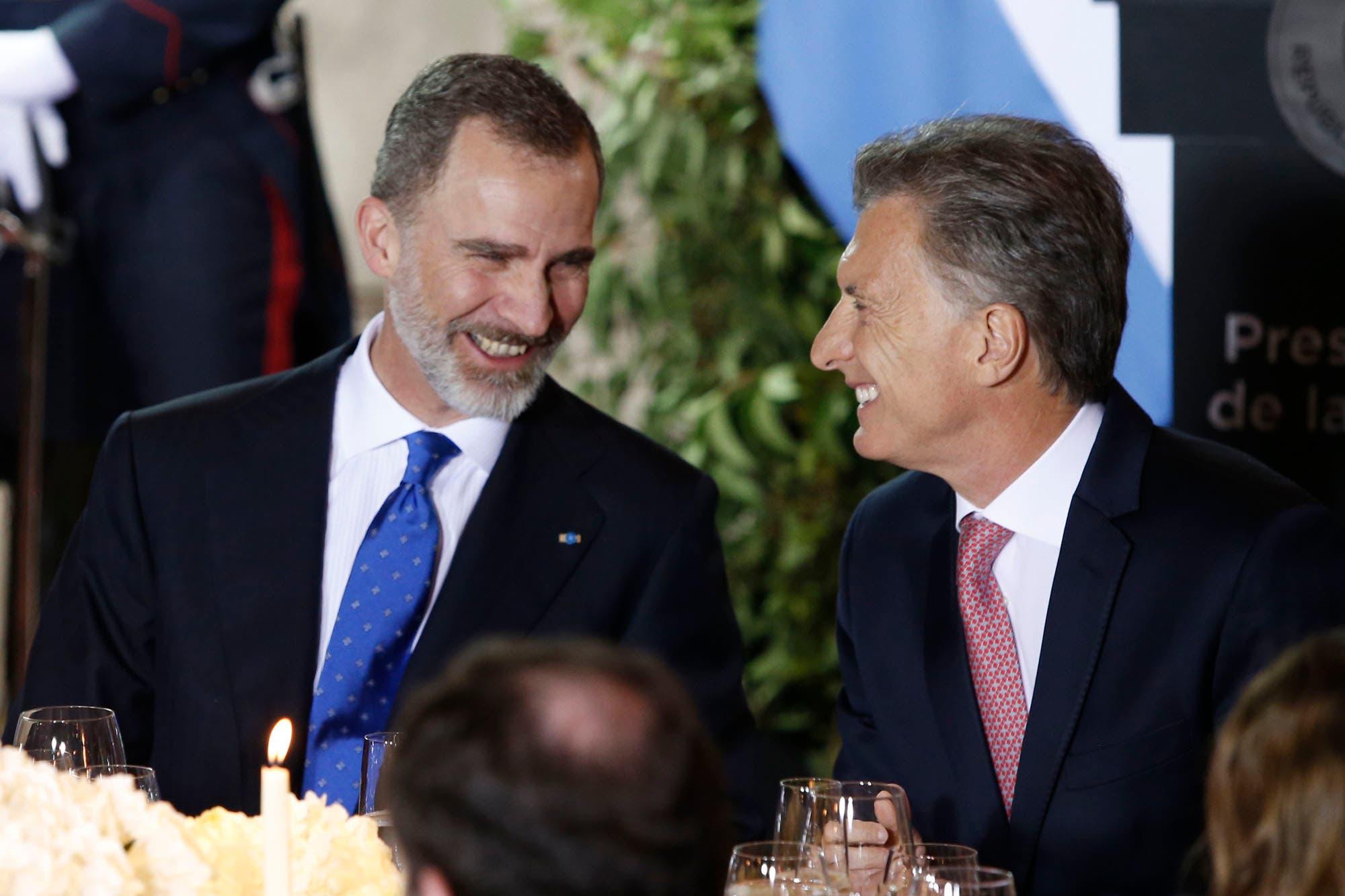 Arrancó la comida de gala en honor a los reyes de España Felipe VI y Letizia