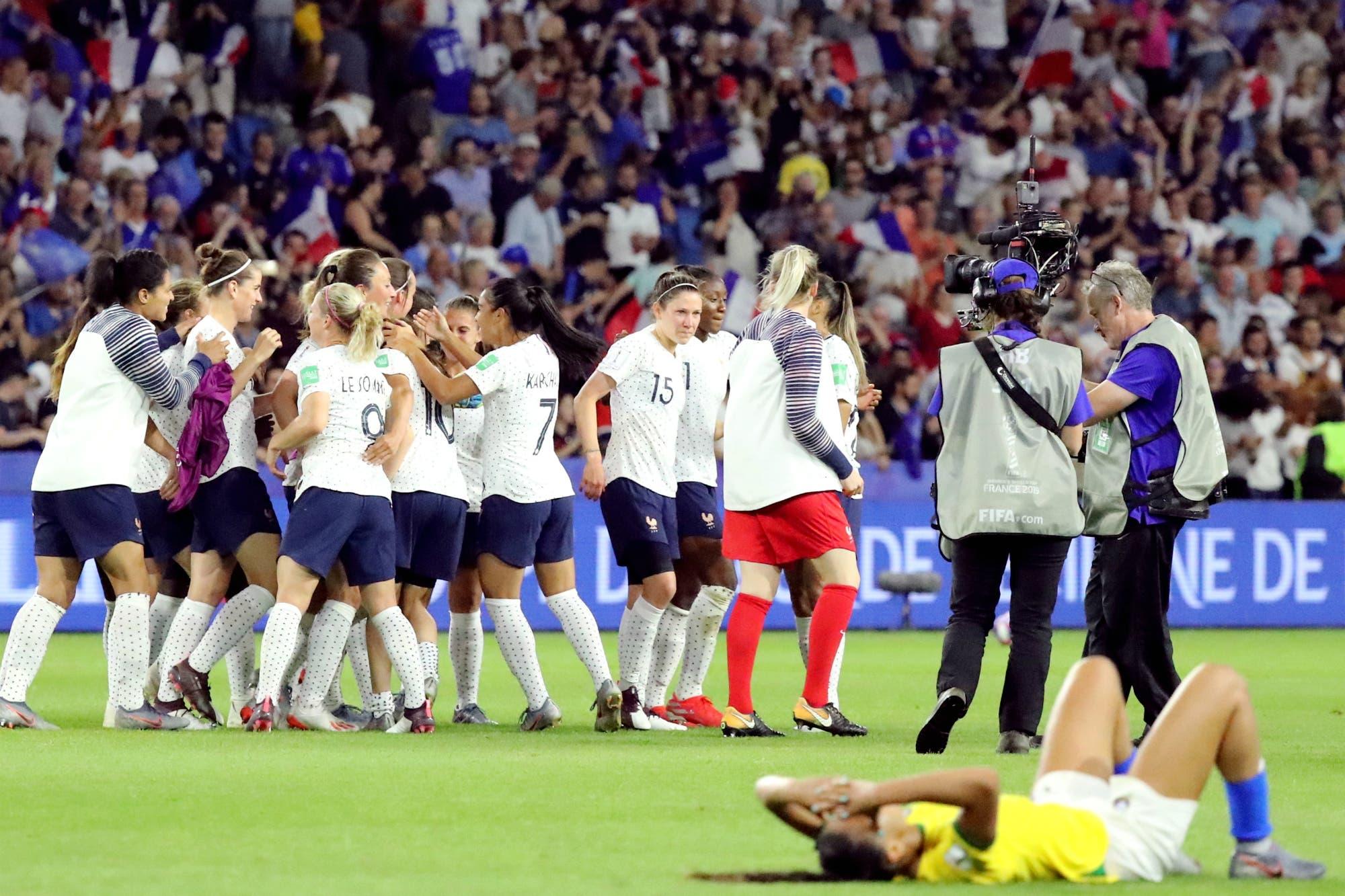 Mundial femenino: Francia eliminó a Brasil y a la histórica Marta en el suplementario