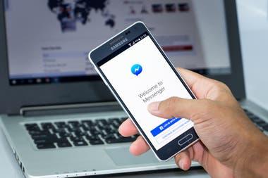 Después de Apple, Google, Amazon y Microsoft, Facebook también es otra de las compañías que admitió las escuchas de audios de los usuarios para mejorar sus sistemas