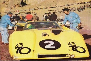 El Numa-Dodge de Carlos Marincovich preparado para una carrera en El Zonda en 1970. El auto se encontró en 2013 destrozado, se restauró y se exhibe en esta edición de Autoclásica