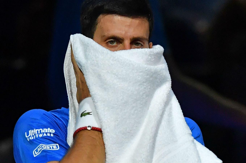 Federer golpeó a Djokovic, lo dejó afuera del Masters y mantuvo a Rafael Nadal como Nº 1