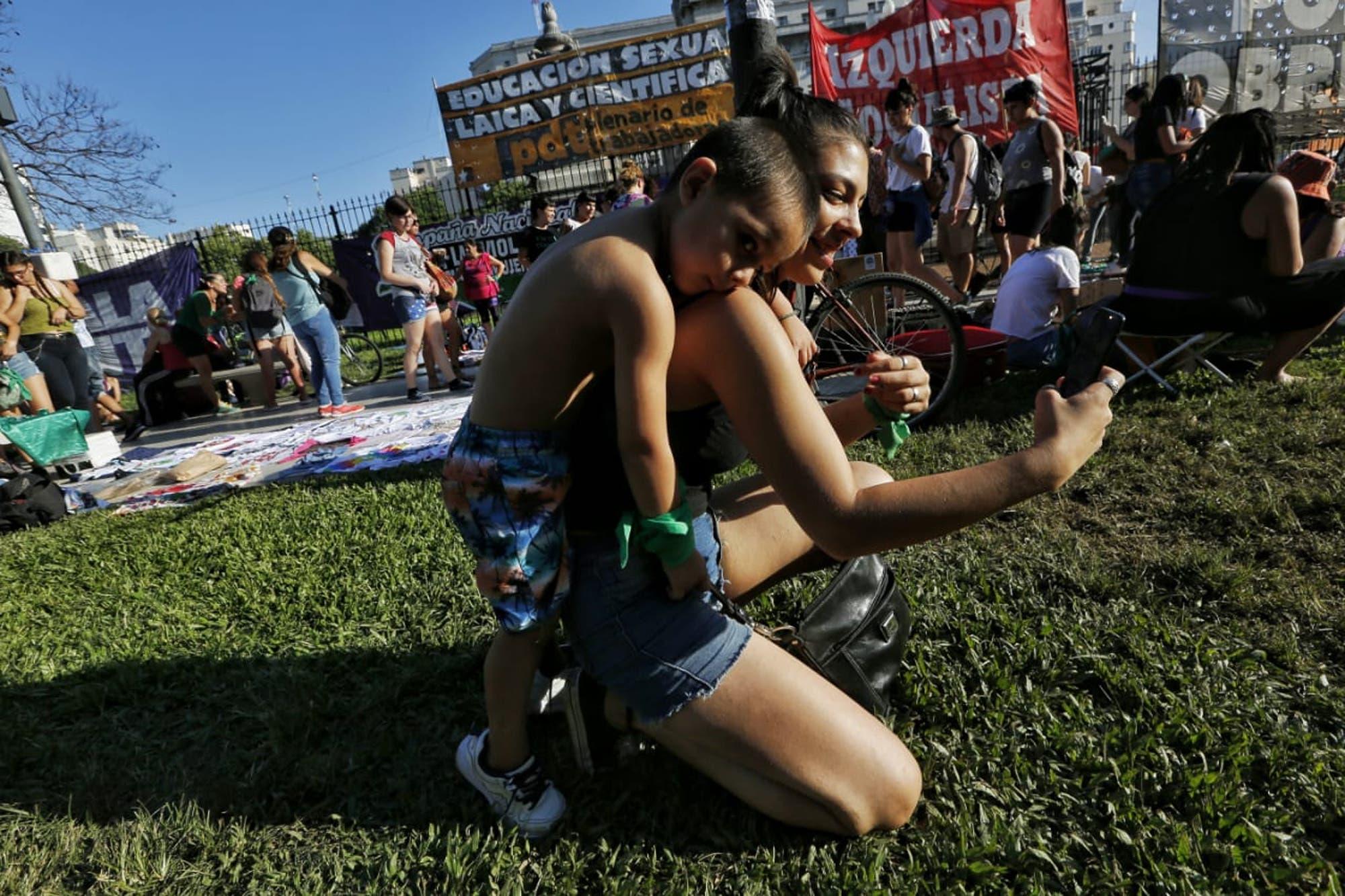 Pañuelazo 2020: con aval del Gobierno, comienza la movilización por el aborto legal en el Congreso