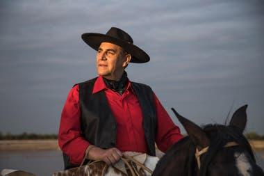 """El Chaqueño Palavecino bromea: Dice que le """"sobra el vino"""" desde que no recibe visitas en su casa por la cuarentena obligatoria"""