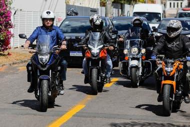 Jair Bolsonaro, durante un paseo en moto tras haber estado dos semanas en cuarentena por el coronavirus