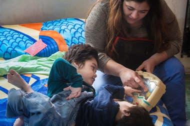 Agustin y Gael son hermanos siameses de cuatro años