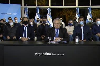 En el anuncio de Alberto Fernández estaban presentes intendentes oficialistas y opositores