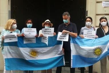 Protesta de argentinos en Francia